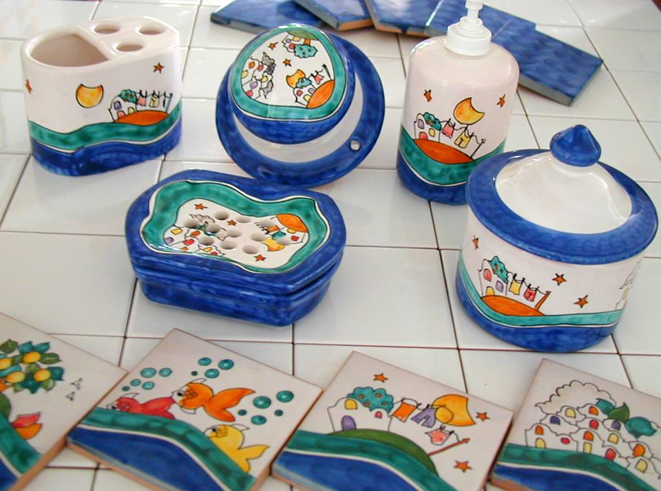 Dermatite atopica cos 39 e come combatterla farmaface - Ceramiche di vietri bagno ...
